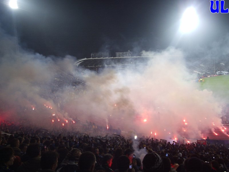 Ultras Choreos (Pyro, Flags, Smokes) - Page 6 Arx1321431431v