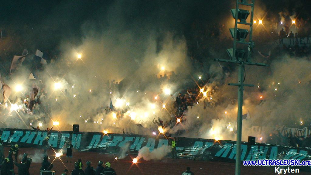 Ultras Choreos (Pyro, Flags, Smokes) - Page 6 Klz1321431500l