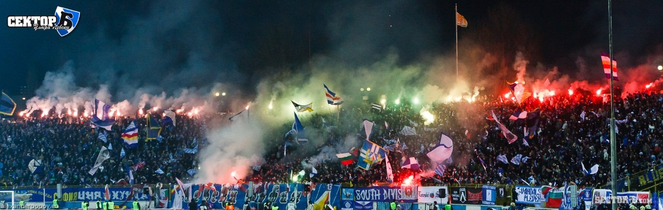Ultras Choreos (Pyro, Flags, Smokes) - Page 6 Opt1321431015q