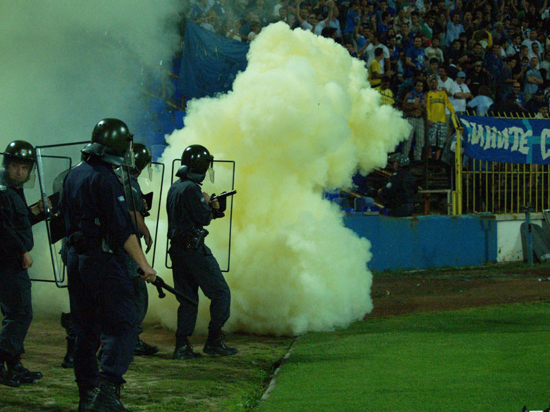 Ultras Choreos (Pyro, Flags, Smokes) - Page 6 Rgh1321431756r
