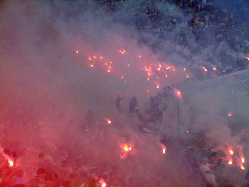 Ultras Choreos (Pyro, Flags, Smokes) - Page 6 Rgh1321431774f